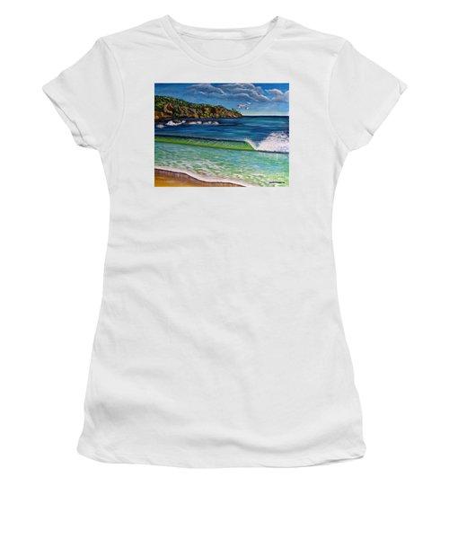 Crashing Wave Women's T-Shirt (Athletic Fit)