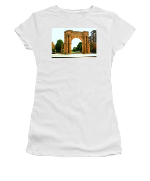 Union Station Arch Women's T-Shirt (Athletic Fit)