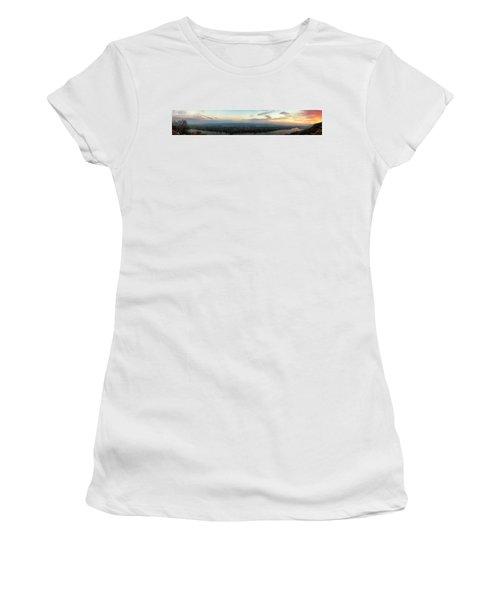 Winona Sunrise Panorama Women's T-Shirt