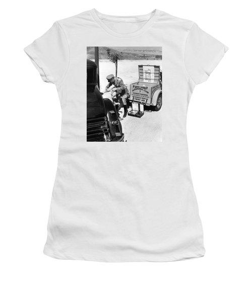Auto Service Patrol Gives Aid Women's T-Shirt