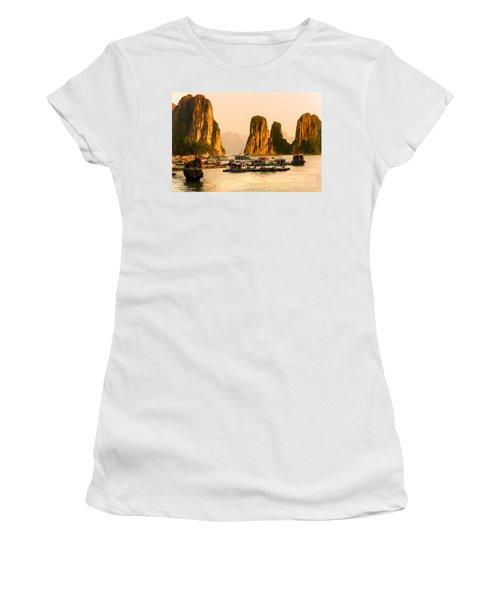 Halong Bay - Vietnam Women's T-Shirt (Athletic Fit)