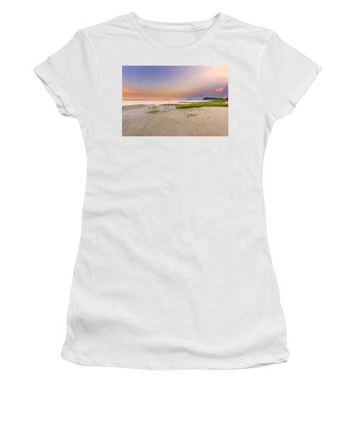 Hilton Head Island Women's T-Shirt (Athletic Fit)