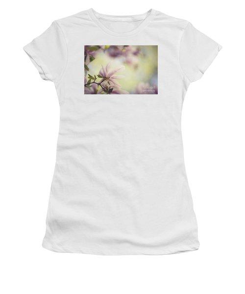 Magnolia Flowers Women's T-Shirt