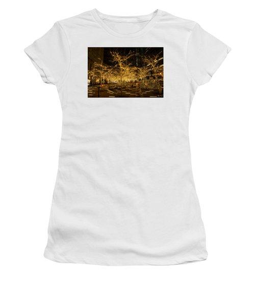 A Little Golden Garden In The Heart Of Manhattan New York City Women's T-Shirt