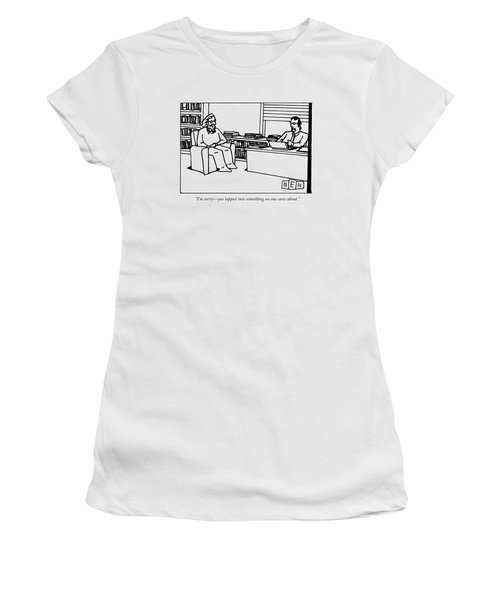 A Writer Pitches A Book To A Publisher Women's T-Shirt