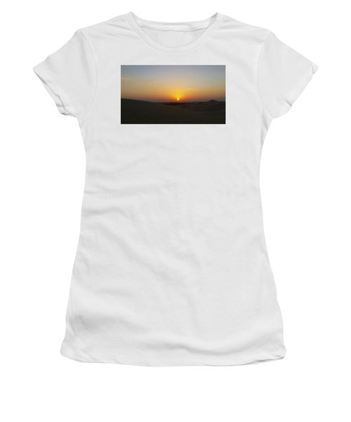 Al Ain Desert 15 Women's T-Shirt (Athletic Fit)