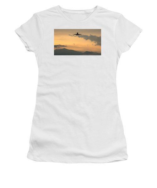 American Airlines Approach Women's T-Shirt (Athletic Fit)