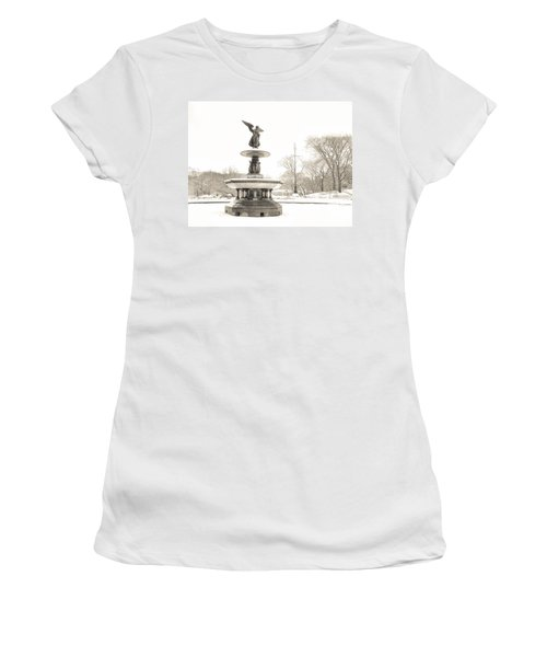 Angel Of The Waters - Central Park - Winter Women's T-Shirt