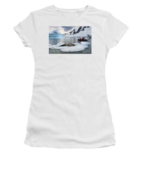 Antarctic Serenity... Women's T-Shirt