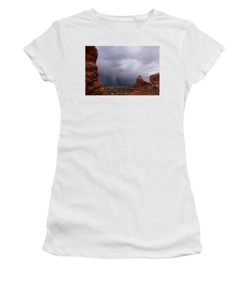 Arches National Monument Moab Women's T-Shirt (Athletic Fit)