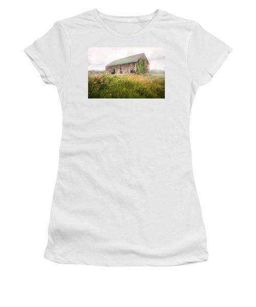 Women's T-Shirt (Junior Cut) featuring the photograph Barn In A Misty Field by Gary Heller