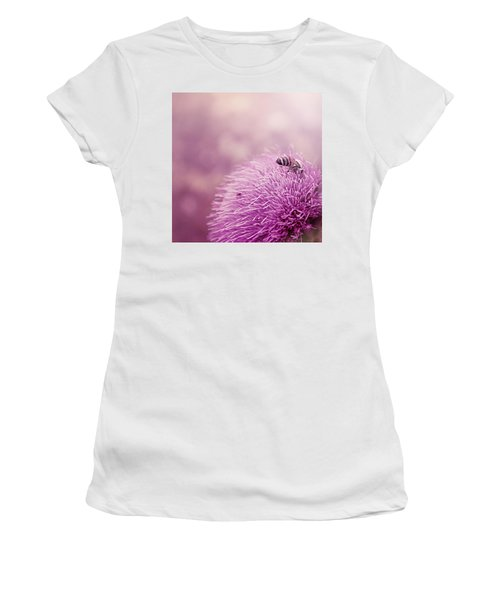 Beauty And The Bee Women's T-Shirt (Athletic Fit)