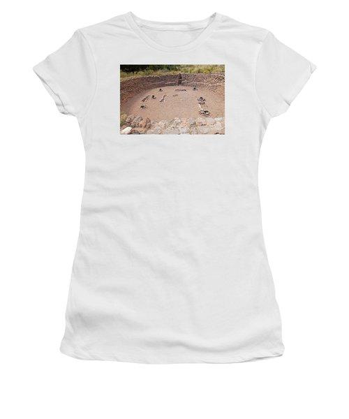 Big Kiva Bandelier National Monument Women's T-Shirt (Athletic Fit)