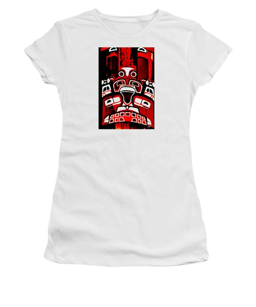 Canada - Inuit Village Totem Women's T-Shirt (Athletic Fit)