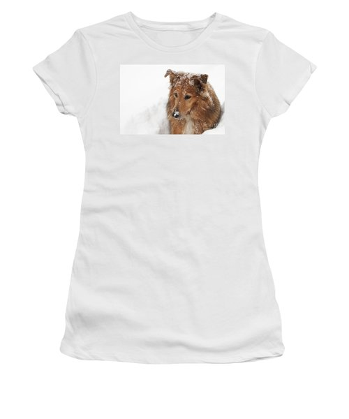 Collie In The Snow Women's T-Shirt (Athletic Fit)