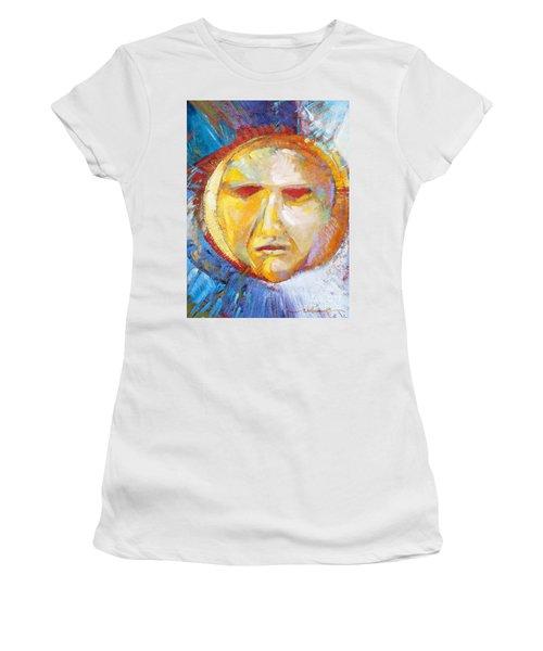 Contemplating The Sun Women's T-Shirt