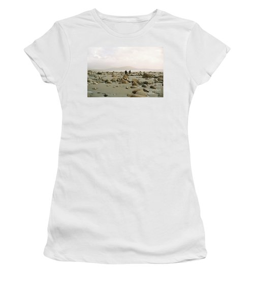 Couple And The Rocks Women's T-Shirt (Athletic Fit)