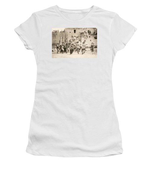 Curtis Buffalo Dance Women's T-Shirt