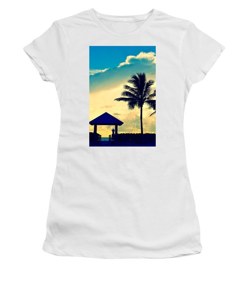 Dawn Beach Pyramid Women's T-Shirt
