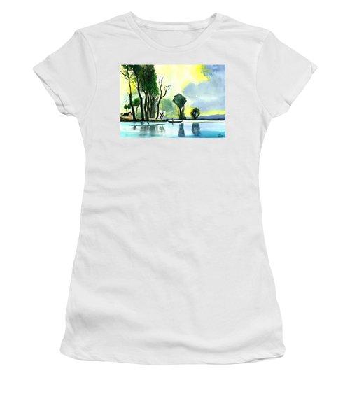 Distant Land Women's T-Shirt