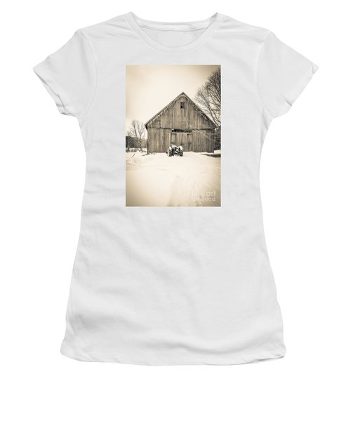 Downtown Metropolitian Etna New Hampshire Women's T-Shirt