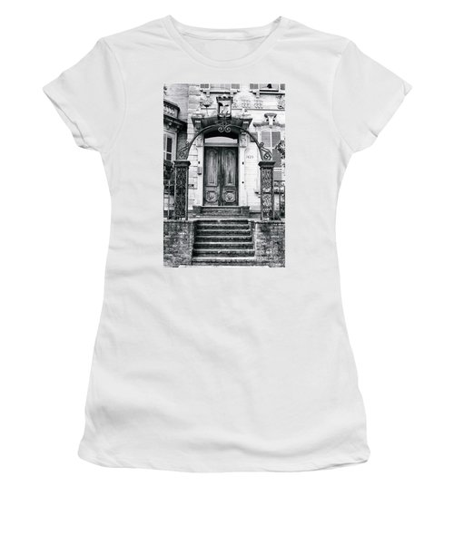 Elegance Past Women's T-Shirt