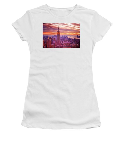 Evening In New York City Women's T-Shirt (Athletic Fit)