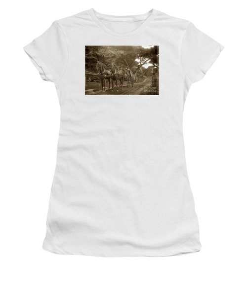 Family Out Carriage Ride On The 17 Mile Drive In Pebble Beach Circa 1895 Women's T-Shirt