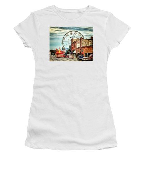 Ferris Wheel In Winona Women's T-Shirt