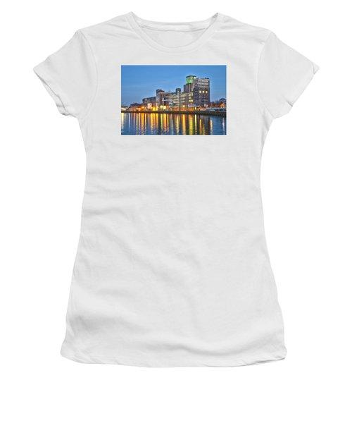 Grain Silo Rotterdam Women's T-Shirt (Athletic Fit)