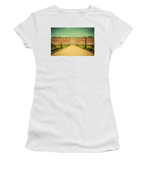 Hampton Court Palace Gardens As Seen From The Knot Garden Women's T-Shirt (Athletic Fit)