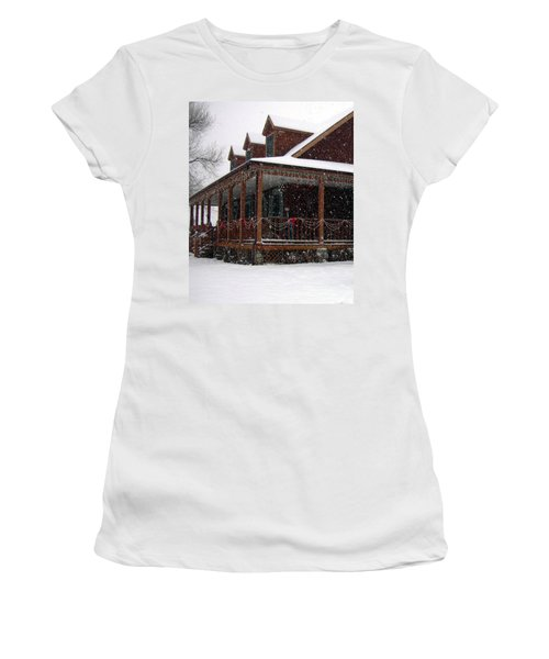 Holiday Porch Women's T-Shirt