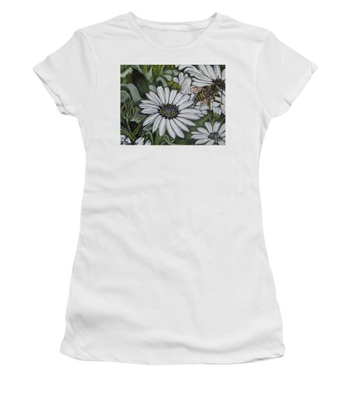 Honeybee Taking The Time To Stop And Enjoy The Daisies Women's T-Shirt