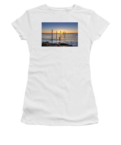 Horizon Sunburst Women's T-Shirt (Athletic Fit)