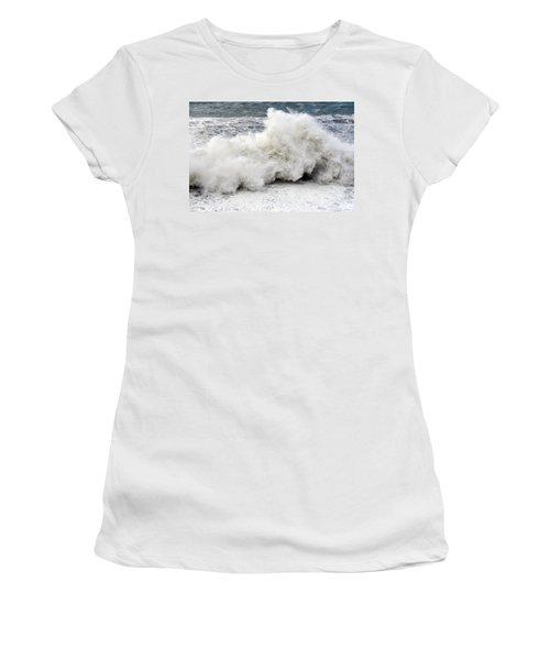 Huge Wave Women's T-Shirt (Athletic Fit)