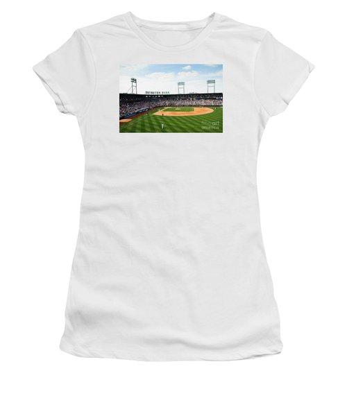 D24w-243 Huntington Park Photo Women's T-Shirt