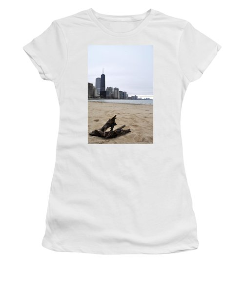 Love Chicago Women's T-Shirt (Junior Cut) by Verana Stark