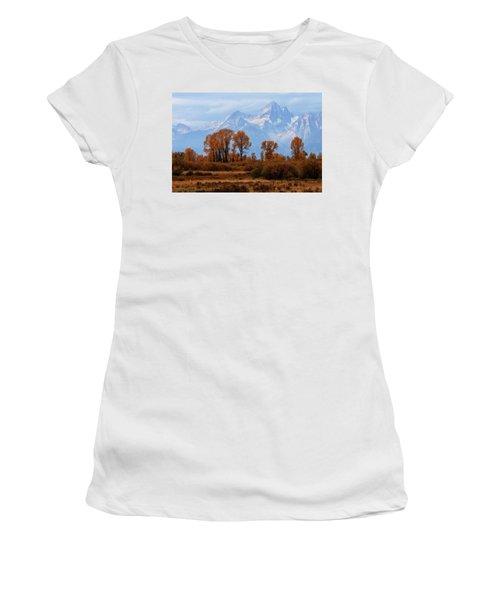 Majestic Backdrop Women's T-Shirt (Athletic Fit)