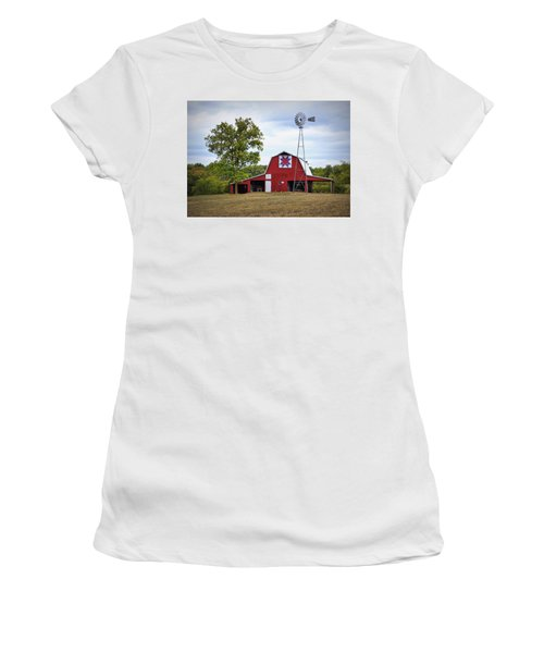 Missouri Star Quilt Barn Women's T-Shirt (Athletic Fit)