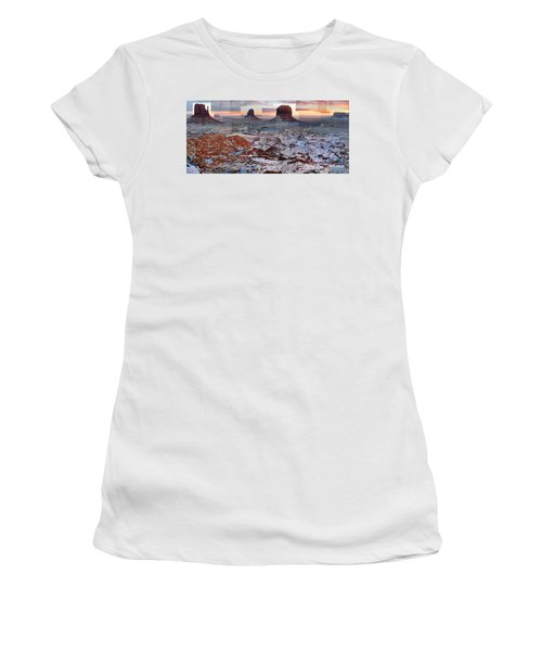 Monument Valley Mittens Women's T-Shirt (Athletic Fit)