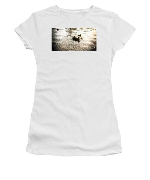 Mumma Duck And Ducklings Women's T-Shirt (Athletic Fit)
