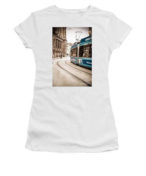 Munich City Traffic Women's T-Shirt (Athletic Fit)