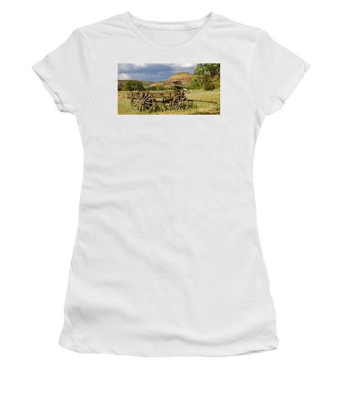 New Photographic Art Print For Sale Ghost Ranch New Mexico 13 Women's T-Shirt (Athletic Fit)