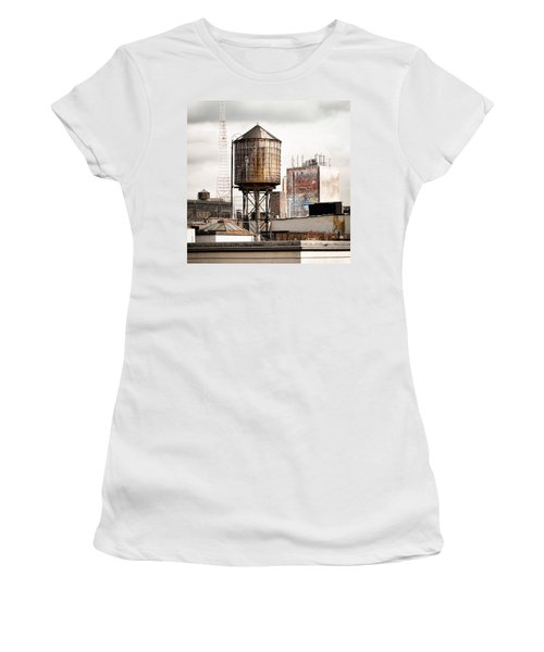 New York Water Tower 16 Women's T-Shirt (Athletic Fit)