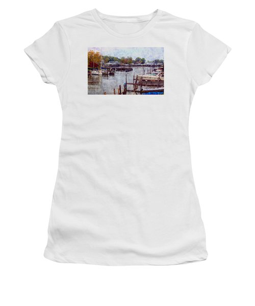 Women's T-Shirt (Junior Cut) featuring the photograph Olcott by Tammy Espino