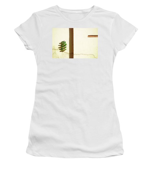 Optimism Pays Women's T-Shirt (Athletic Fit)