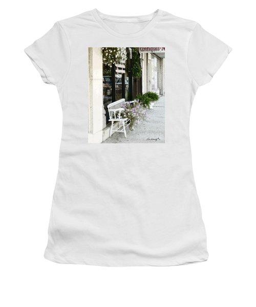 Pentunia Bench Women's T-Shirt