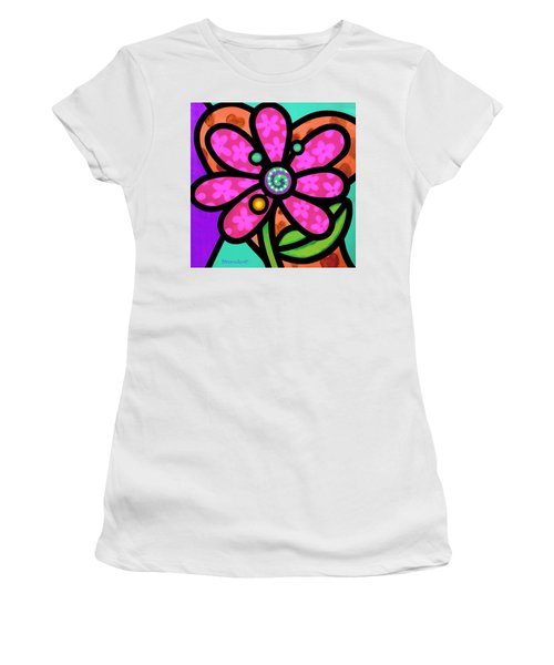 Pink Pinwheel Daisy Women's T-Shirt (Athletic Fit)