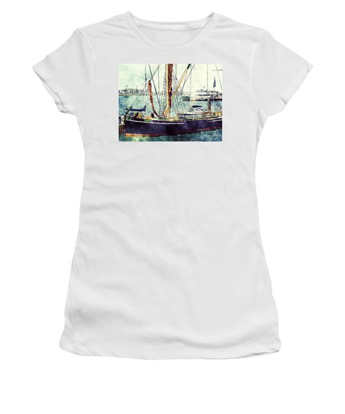 Portsmouth Harbour Boats Women's T-Shirt (Athletic Fit)