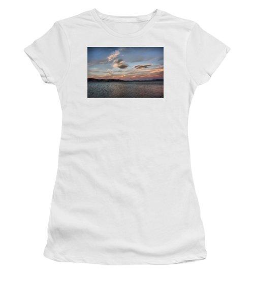 Pyramid Lake Women's T-Shirt (Athletic Fit)